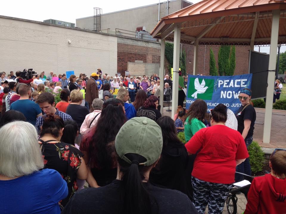 Corsos rally in Norwalk